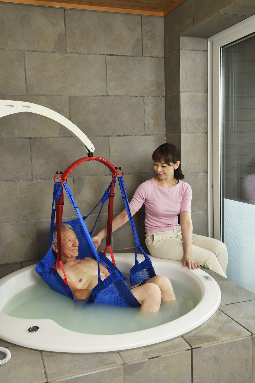 介護リフトつるべーF 入浴使用
