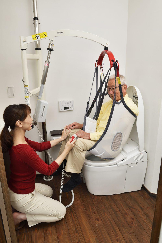 介護リフトつるべーF トイレ使用